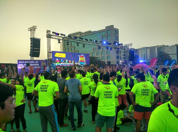 Tableau Flags Off Radio Mirchi Neon Run Co-Sponsored by Giant Starkenn & Mahindra in Mumbai