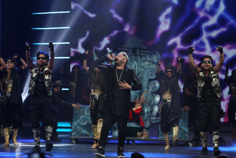 The GiMa Awards 2016 Concludes in Mumbai with Big B, Sonakshi & Arijit Singh