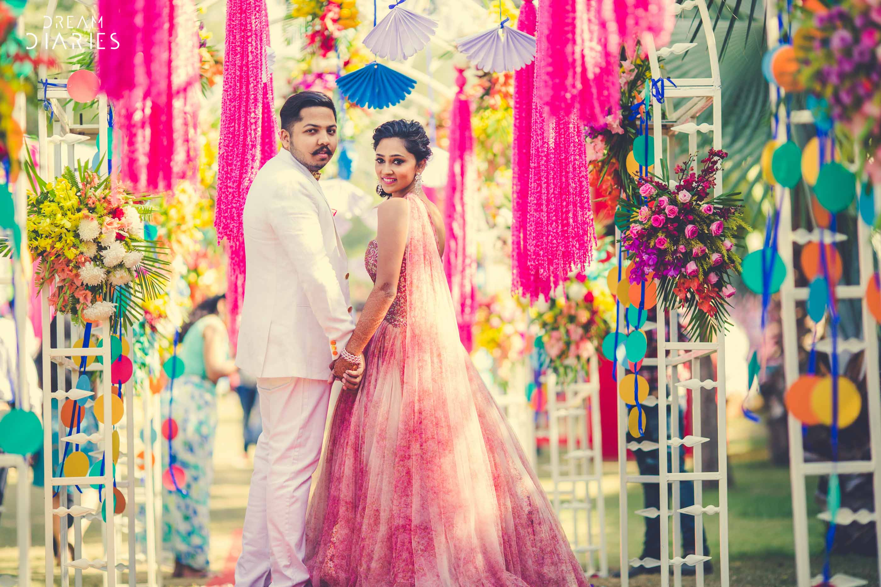 A Ram Leela Mehendi, A Firangi Fiesta, Crazy Entries, Unique Photo Ops & More By F5 Weddings!