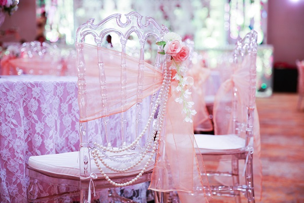 DECOR DELIGHT: A Dreamy, Vintage, Chic Wedding With Gorgeous Detailing by Dreamzkraft!