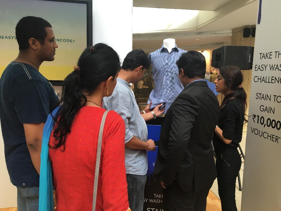 Fountainhead MKTG Takes Van Heusen 'Easy Wash Shirts' Campaign to 5 Indian Cities