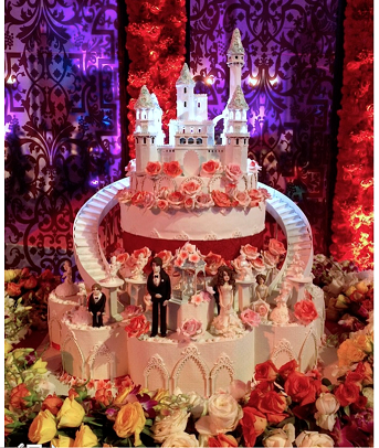 A Cake that Tells the Story of a Perfect Fairytale Wedding — Produced By Eclairs!