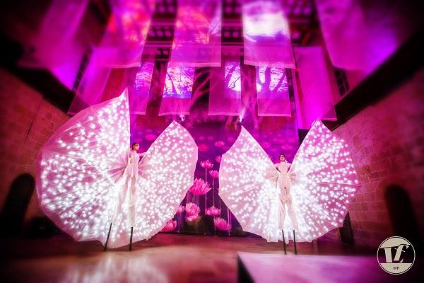 Human Props: The Next Big Thing At Weddings & Social Events?