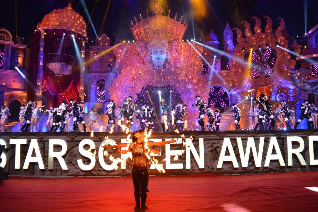 Cineyug Produces Star Screen Awards 2017; Co-Hosted by Salman Khan and SRK
