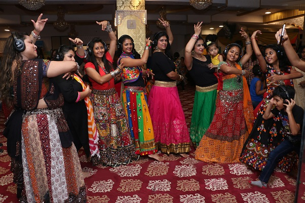 Vaktra Silent Disco Creates First-of-its-kind Silent Garba!
