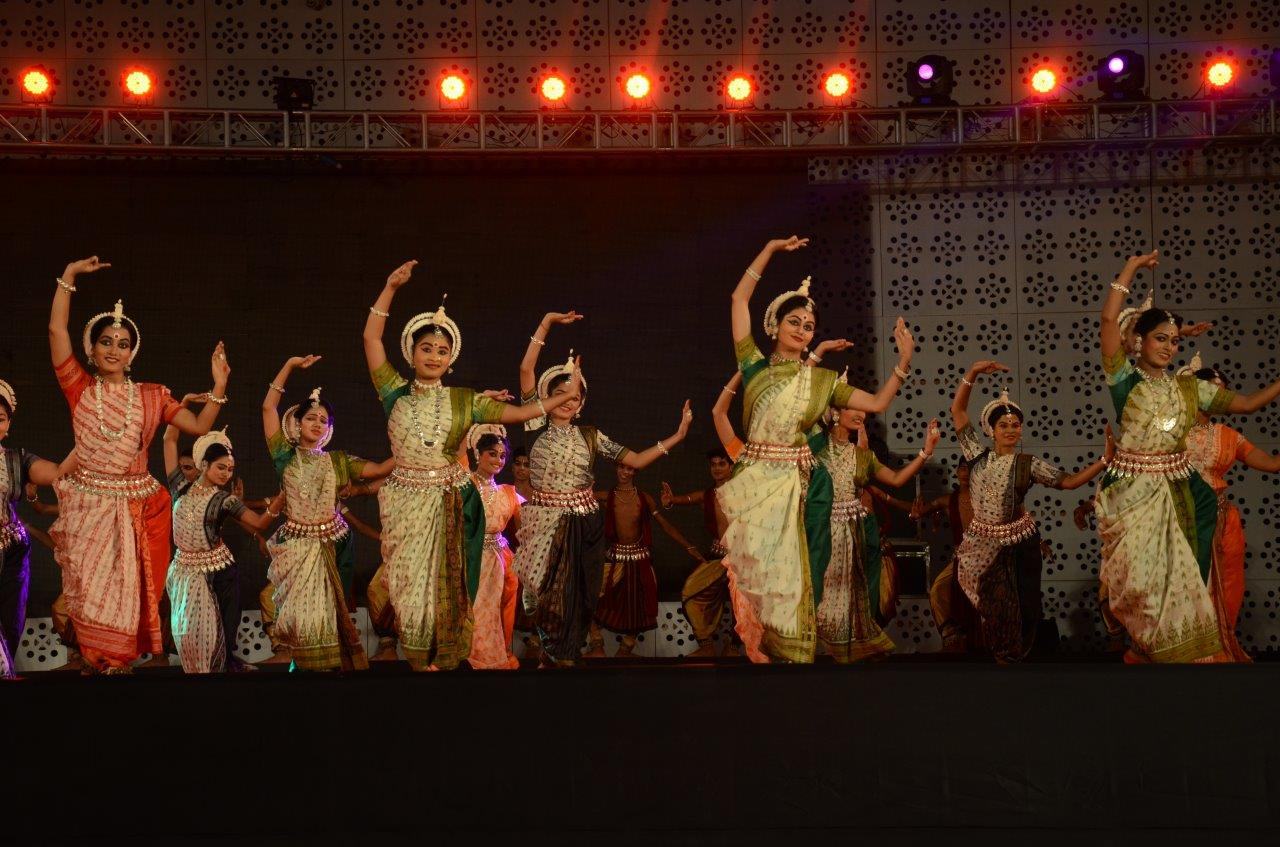 Make in Odisha Conclave Sees Laser Show and Odissi Fusion Dance; Brings in 2.3 Lakh Cr. Investment