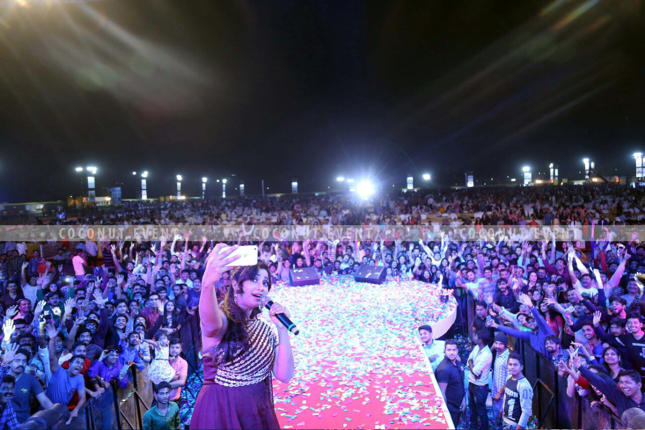 Shreya Ghoshal Celebrates a Housefull Concert with Coconut Event