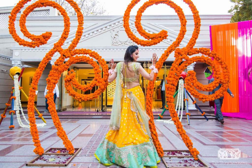 Intimate Punjabi Mehendi by Elusive Dreams Sees Molecular Bar & Lots of Marigold