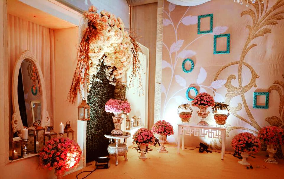 An Ivory & Brown Delhi Engagement By Maadhyam Events