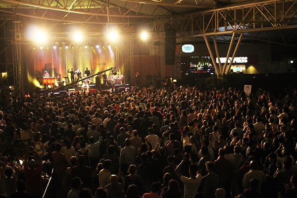 Ub40 Delivers A Breathtaking Performance At Dublin Square