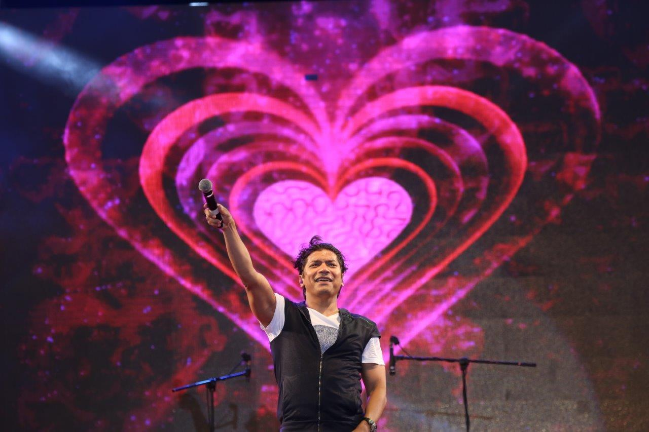 Shaan Performs at The Swami Lifestyle Club Launch in Navsari, Gujarat.