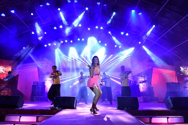 Real Show Makes Annual Dealers Meet for Star Cement a Rocking Affair