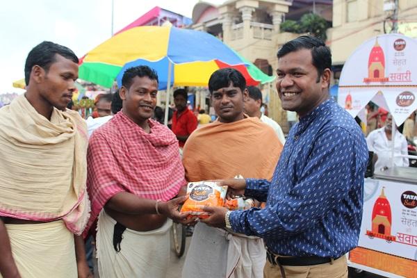 Tata Salt Associates with Puri Administration to Revitalize Devotees at Jagannath Rath Yatra' 17