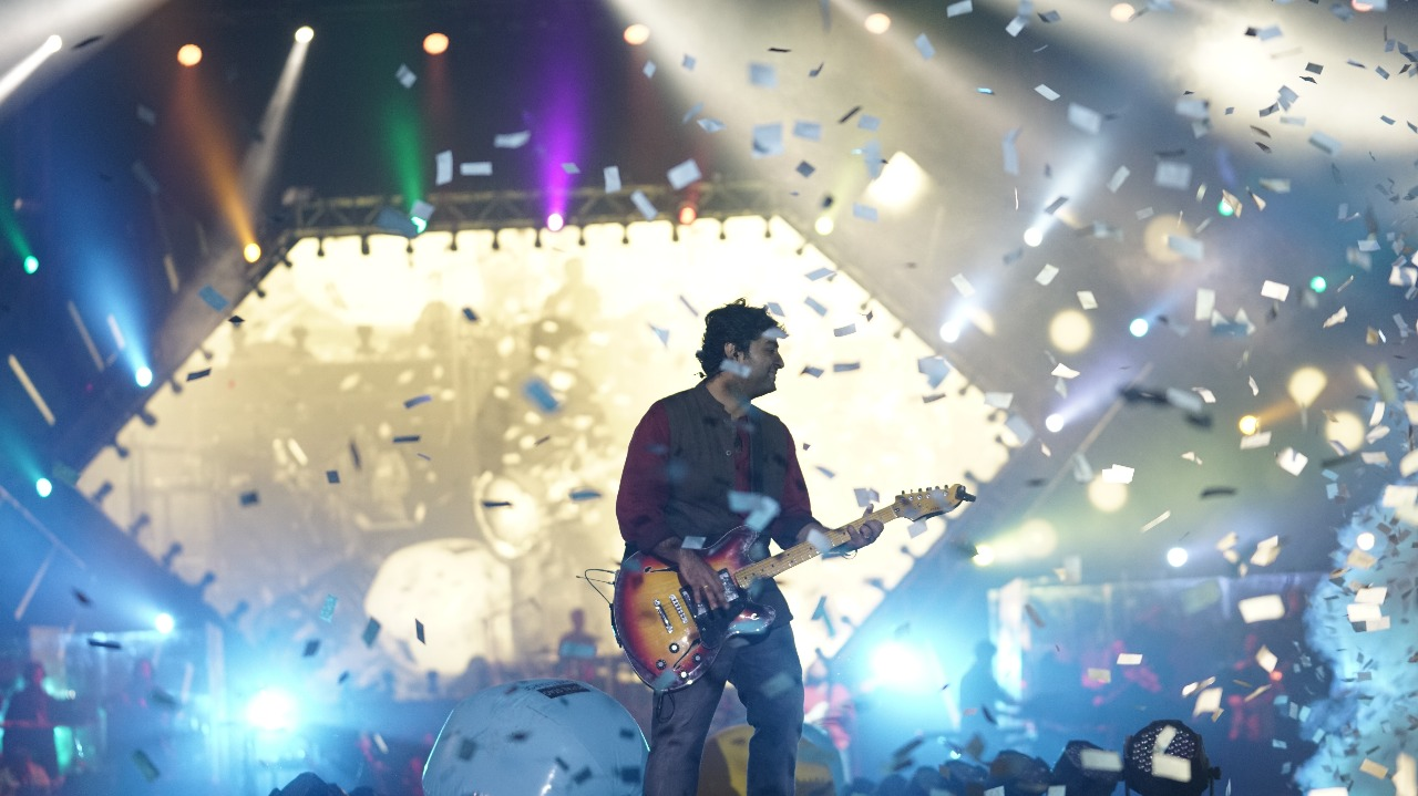 Arijit Singh Stirs Up A Storm in Kolkata As He Kickstarts His Maiden Tour In India