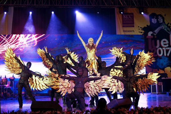DanceSmith Performs 773 Shows Globally, Bagging