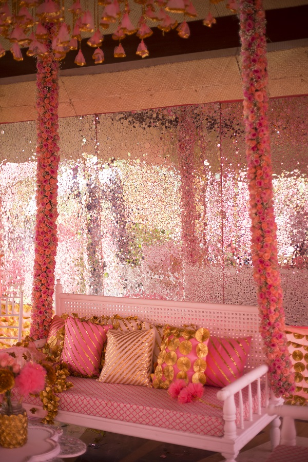 Momente Wedding Planners Wave their Magic Wand Again with this Fairytale Udaipur Wedding