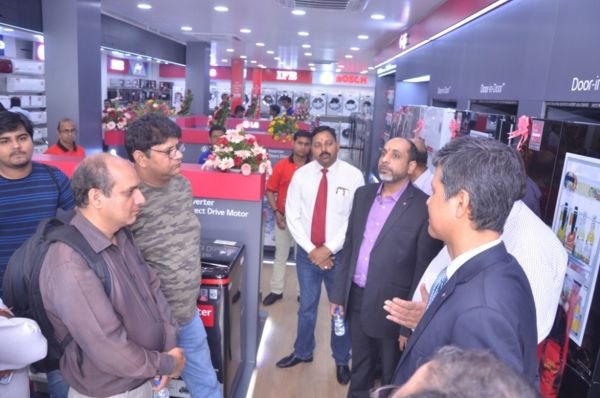 LG Launches 'H&A' Clinic in Lucknow; Designs Experiential Zone For Customers